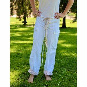 White Abercrombie & fitch pants w/ floral print